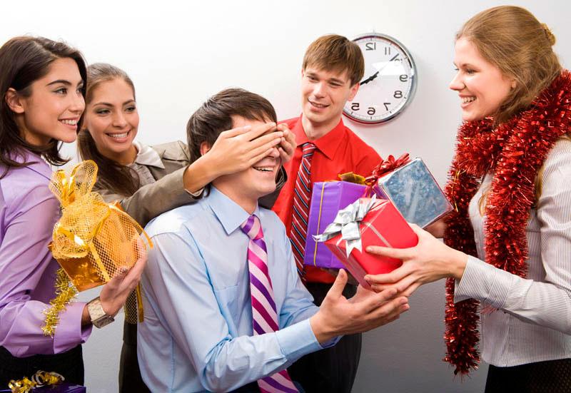 Коллегам подарок на новый год